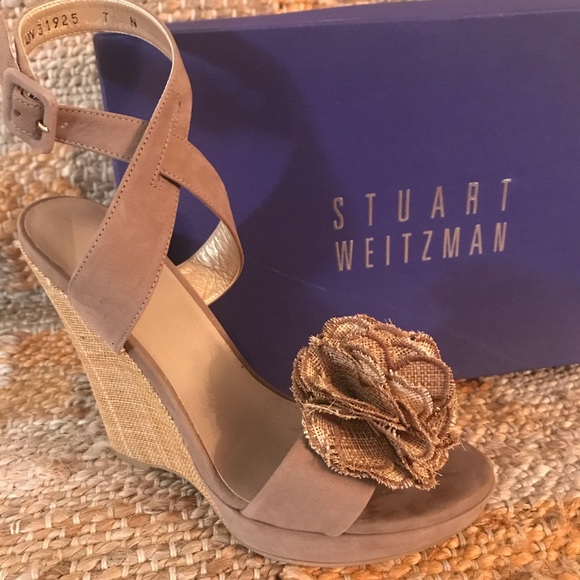 "Stuart Weitzman 7N Flower Straw Wedge 4"" heels"